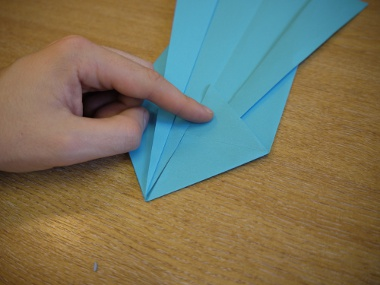 Paper Aeroplanes: The Merlin - Step 11c