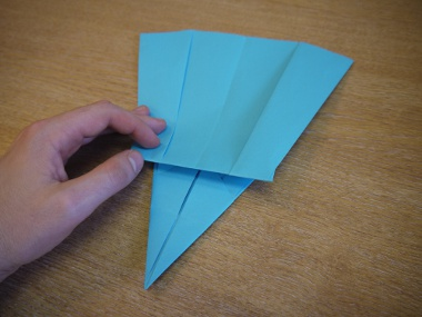 Paper Aeroplanes: The Merlin - Step 17c