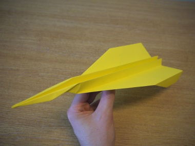 How to make a paper aeroplane: The Streamer - Finished!